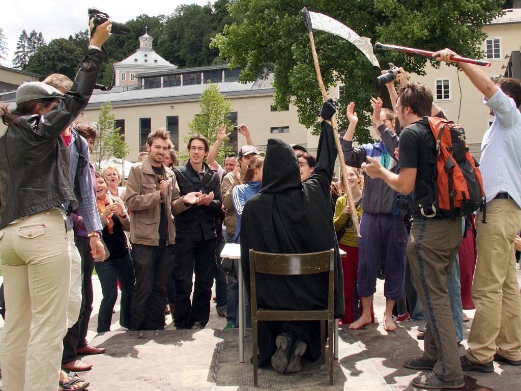 "Flashmob bei Salzburger Festspielen ""Tod der Jugendkultur"""